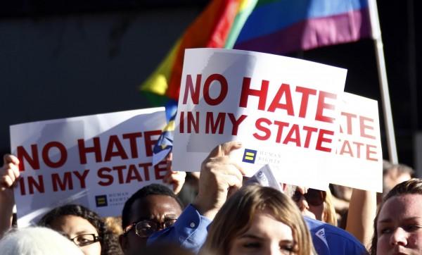 美國密西西比州5日簽署了爭議性法案,俗稱為《宗教自由法》,引起LGBT團體的痛批。(美聯社)