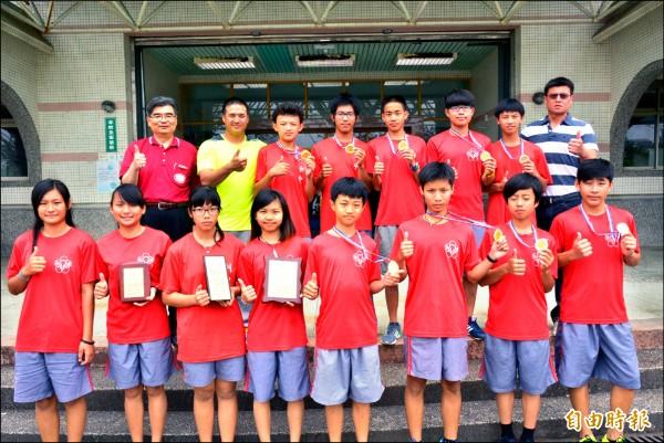 利澤國中西式划船隊在全國賽中拿下四金兩銀佳績。(記者朱則瑋攝)