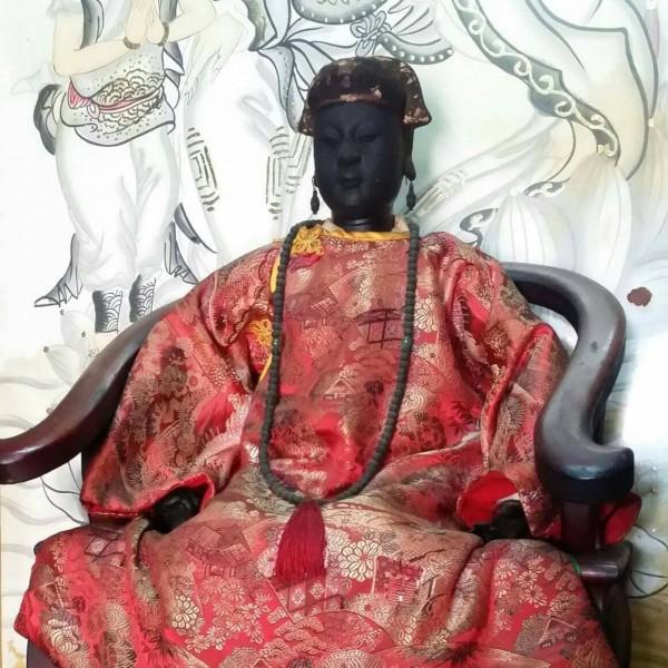 鹿港北頭吳家夫人媽宮所供奉的順天夫人陳靖姑是百年軟身神像,相當秀麗。(吳江浚提供)