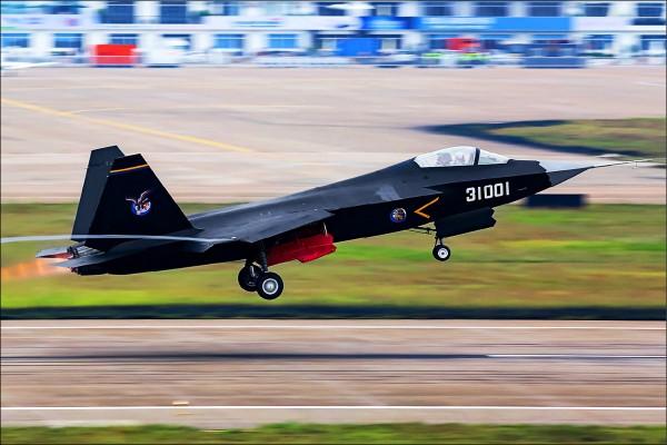 中國第五代戰機殲31(取自維基百科)