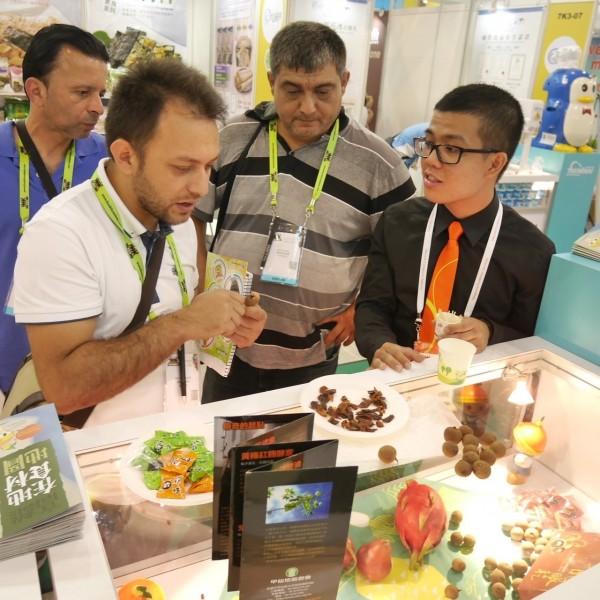 高雄首選農產品挺進新加坡食品展。(市府農業局提供)