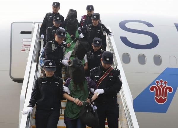肯亞執法當局將台灣人強行送至中國,引起國際媒體關注。(美聯社)