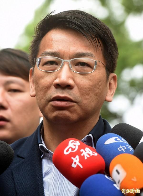 談到昨日法務部的新聞稿,徐永明認為,這與羅瑩雪的身分和格調有點差距。(記者方賓照攝)