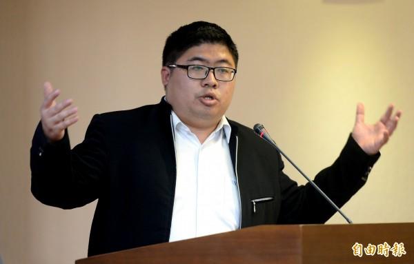 提到大馬案時,羅瑩雪脫口說:「詐騙公會很感謝。」讓蔡易餘暴怒。(資料照,記者林正堃攝)