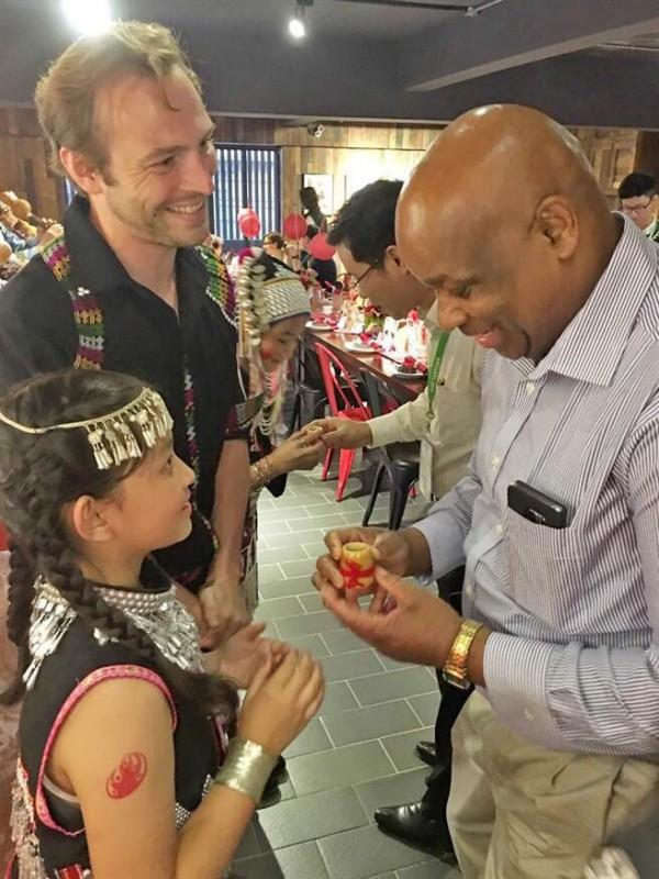 駐台使節、代表參加雲南風味國宴餐會。(市府觀光旅遊局提供)