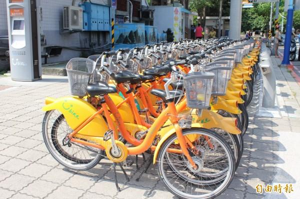 台北的YouBike日周轉次數傲視全球,有時一輛車在一天之內就可以被租用高達15次,許多民眾都用來做為短程接駁的交通工具。(資料照,記者郭顏慧攝)