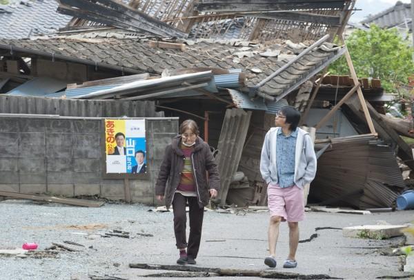 日本熊本地震發失至今已兩週,餘震數已破千次。(歐新社)