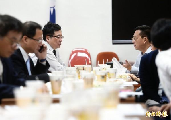 立法院國民黨團29日舉行黨團大會,政策會執行長蔡正元出席主持。(記者方賓照攝)