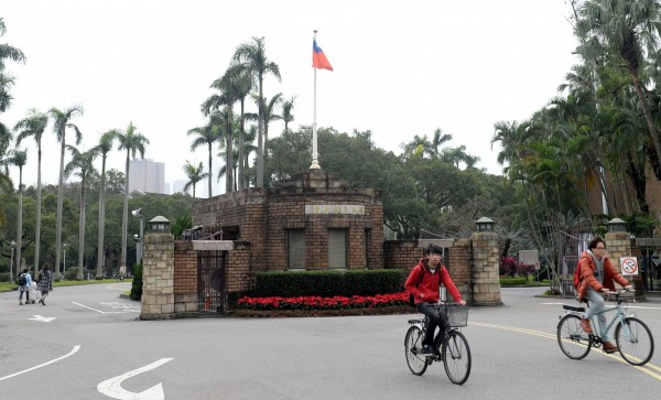 台大校長楊泮池對於少子化問題,表示大學存亡由市場決定。(記者林正堃攝)