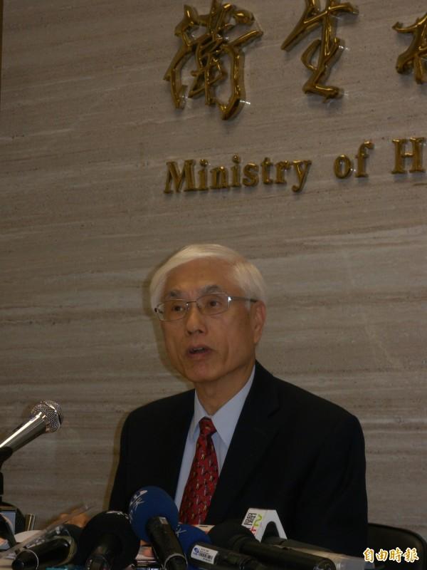 林奏延說,4年內要做到將住院醫師納入勞基法規範。(記者吳亮儀攝)
