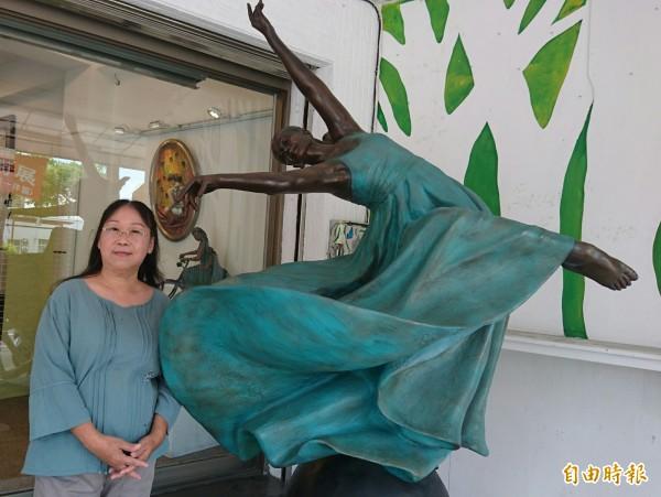「洪瓊華雕塑藝術展」在台南市安平區的丹橘人文藝術空間展出。(記者劉婉君攝)