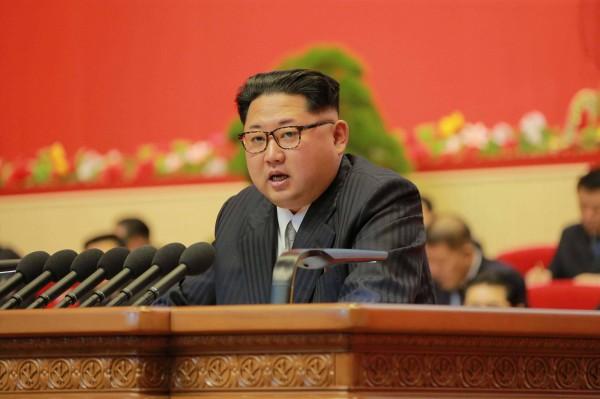北韓最高領導人金正恩表示,北韓只會在主權受到其他國家以核武侵犯之下,才會動用核武。(法新社)