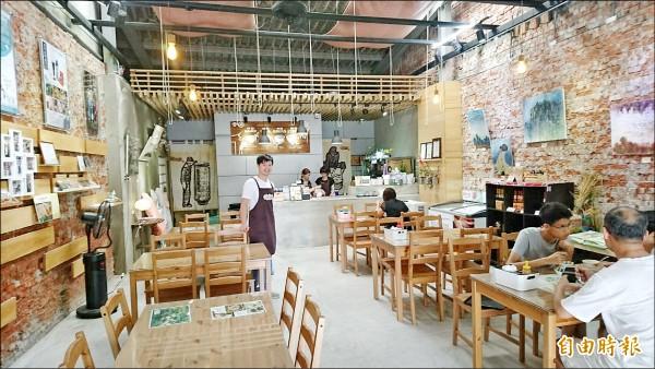 南方米造碗粿店改善用餐環境,讓客人輕鬆品嘗碗粿的好滋味。(記者楊金城攝)
