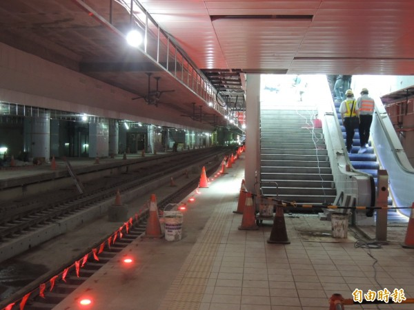地下化車站將捷運化,約每1公里設1站。(記者蔡清華攝)