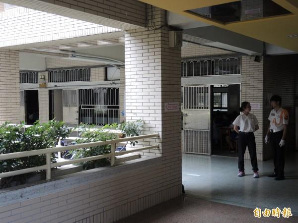 台電表示,明日將派員駐守新店高中協助,維持考場穩定供電。(記者翁聿煌攝)
