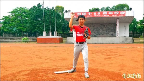 效法郭泓志不死鳥精神,張昌峻獲總統教育獎。(記者蔡政珉攝)