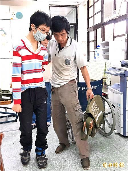 賴映棋。(左,記者簡惠茹攝)