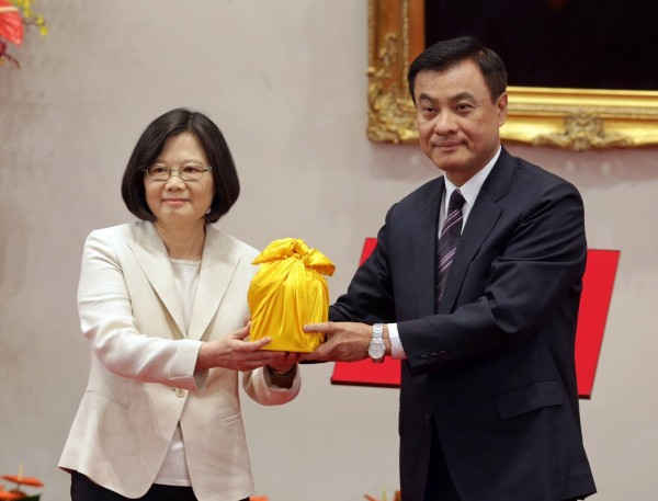 柯文哲認為,台北市政府和中央政府未來一定有更好的合作關係。(圖由台北市攝影記者聯誼會提供)