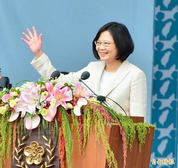 蔡英文表示,人民選擇了新總統,所期待的只有「解決問題」4個字。(記者王藝菘攝)