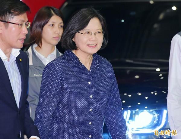 蔡英文、陳建仁今天宣誓就任中華民國第14任正副總統,蔡英文成為「第一位」台灣女總統、「第二位」民進黨總統,台灣也邁入「第三次」政黨輪替。(資料照,記者王文麟攝)