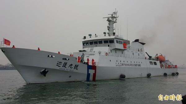 針對有日媒指台灣將撤回沖之鳥礁的護漁船艦,海巡署晚間表示,仍依既定規劃持續巡護,並未撤回。圖為海巡署「巡護九號」。(資料照,記者洪臣宏攝)
