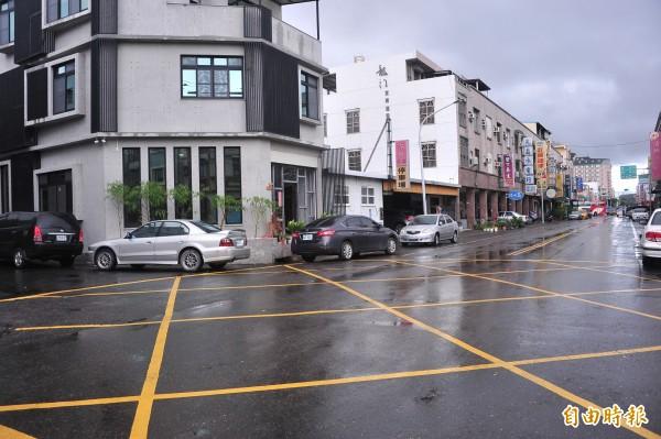 「環城道路」長約3公里,就有7個路(巷)名。(記者蔡宗憲攝)