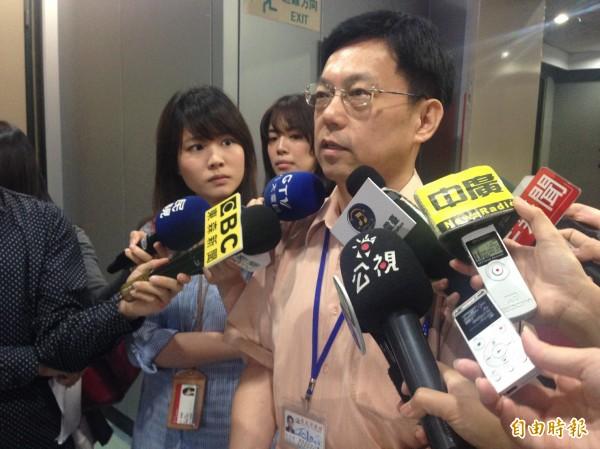 北市府公管中主任杜英輝表示,將不向廠商收解約金,並考慮在B2設置約70座位,盼藉此提升1-2成業績。(記者何世昌攝)
