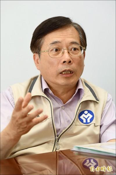 新任勞動部長郭芳煜昨宣布,勞工因為每週四十小時新制被刪除的七天國假先恢復。(記者簡榮豐攝)