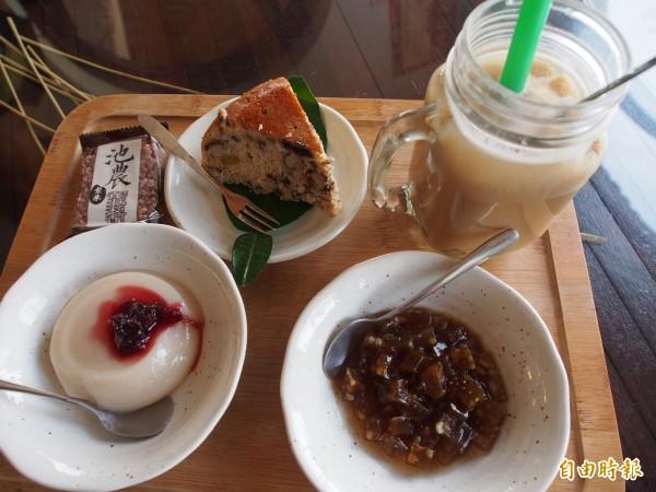 萬安稻米原鄉館將池上米製成米蛋糕、米布丁,還有米珍珠奶茶,都受到民眾喜愛。(記者王秀亭攝)