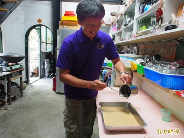 池上萬安稻米原鄉館幾經嘗試,終於做出口味佳的米粉圓。(記者王秀亭攝)