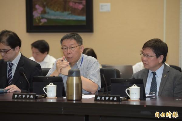 台北市長柯文哲今日至行政院參加行政院院會。(記者黃耀徵攝)