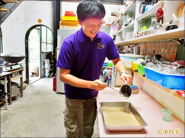 稻米原鄉館的米粉圓經過多次嘗試,終於找到最佳比例。(記者王秀亭攝)