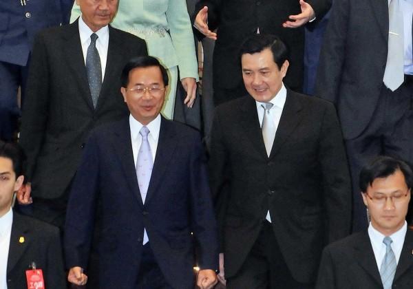 特偵組過去嚴辦前總統陳水扁(左),近來卻縱放前總統馬英九(右),讓外界質疑特偵組偵辦不公。(資料照,台北市攝影記者聯誼會提供)