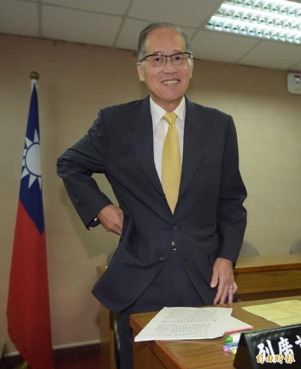 民進黨外交國防政策小組今(2)日召開會議,邀請外交部長李大維說明政策。(記者黃耀徵攝)