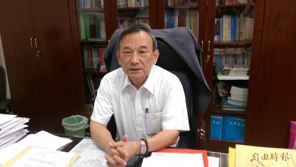 法務部政務次長陳明堂表示,台中監獄認為凱達格蘭基金會的感恩餐會有政治性,不同意扁參加餐會。(記者項程鎮攝)