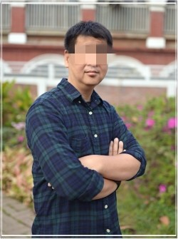 擔任教職員的黃姓男子也兼任攝影社的老師,不過不會被國教屬列入不適任教師名單中。(記者王捷翻攝)