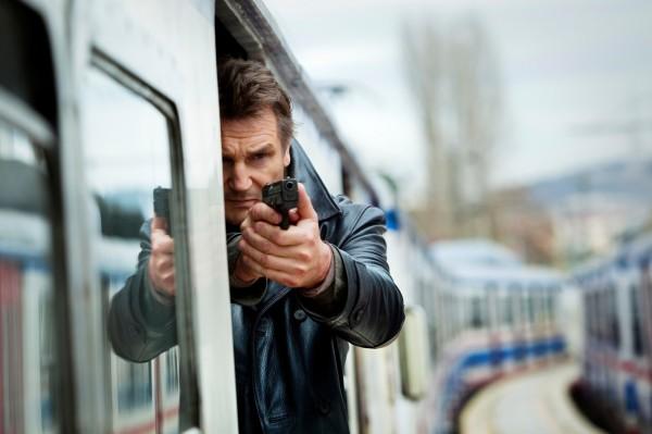 《即刻救援》系列主角布萊恩米爾斯,在電影中為了拯救家人,能靠自己擺平一堆敵人。(美聯社)