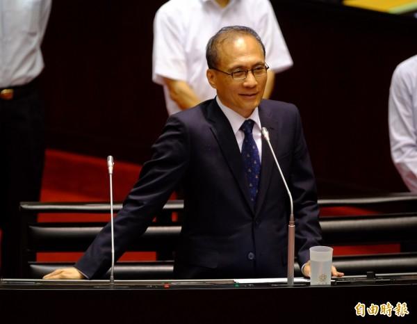 行政院長林全今在接受電視台專訪時表示,期待每個政務官在24小時工作之餘,還是能夠維持一點生活品質。(資料照,記者王藝菘攝)