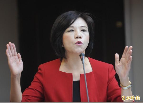 葉宜津今在立法院表示,我國2009年曾開放大型拖網漁船,在12海浬近海實施拖網捕魚,把小魚都捕上來。(資料照,記者劉信德攝)
