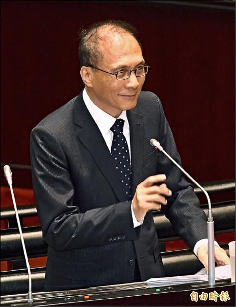行政院長林全7日列席立法院院會,答覆立委質詢。(記者羅沛德攝)