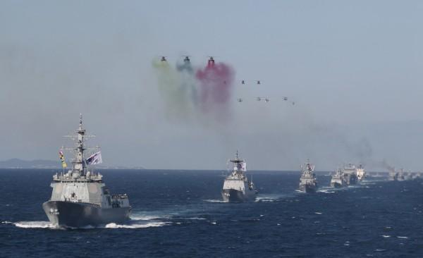 南韓海軍及海警今明兩天將在獨島周邊海域進行獨島防禦演習,軍演情境為「外部勢力試圖非法占領獨島」,明顯針對日本而來。圖為南韓海軍,與本新聞無關。(美聯社)