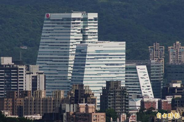 中國信託南港總部8日遭特偵組搜索。(記者鹿俊為攝)