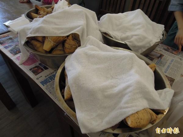 隨著端午假期的來到,許多民眾都會吃粽子應景,但也有人因為物流公司出包,今年端午節沒粽可吃。(資料照,記者梁珮綺攝)