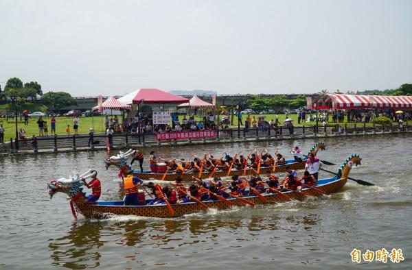 圖為新竹縣今年的端午龍舟賽。(記者蔡孟尚攝)