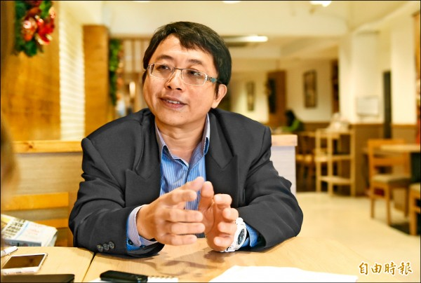 成大電機工程系暨通訊工程研究所教授李忠憲。(記者廖耀東攝)