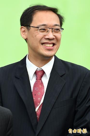 楊偉中在臉書透露,國民黨中央下令,各議會黨團下週起,藉「洪素珠事件」全面發動政治鬥爭。(資料照,記者方賓照攝)