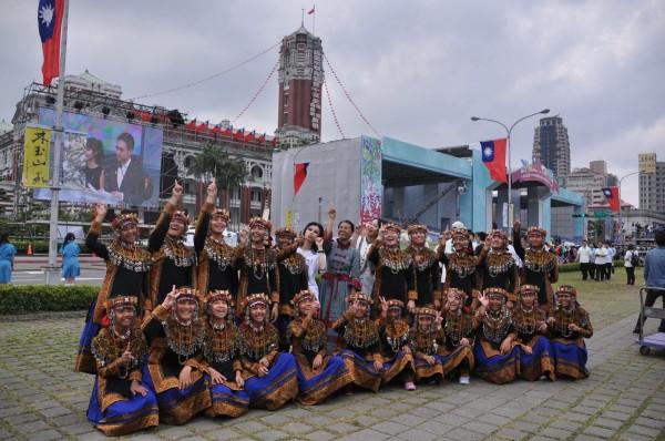 由於領唱國歌,希望合唱團原訂7月赴中國的演出全被取消。(希望合唱團提供)