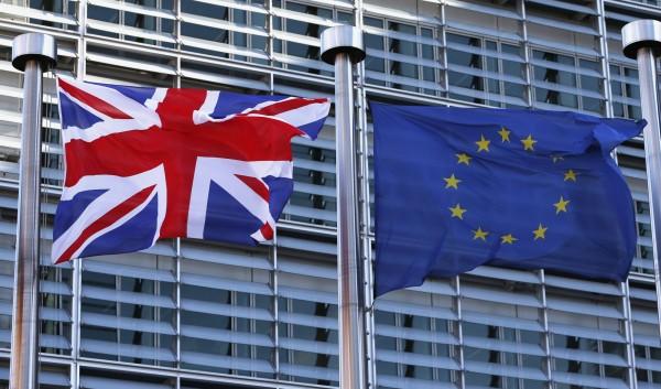 英國大報《泰晤士報》刊登頭版社論,呼籲民眾支持英國續留歐盟,是繼《金融時報》和《經濟學人》後,第3份表態支持「留歐」的英國權威報刊。(路透)