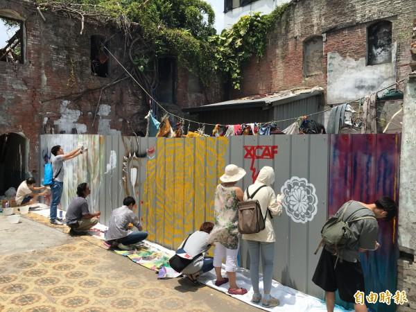 來自各國的藝術家今天進駐西螺展開為一期一個月的駐地創作。(記者黃淑莉攝)