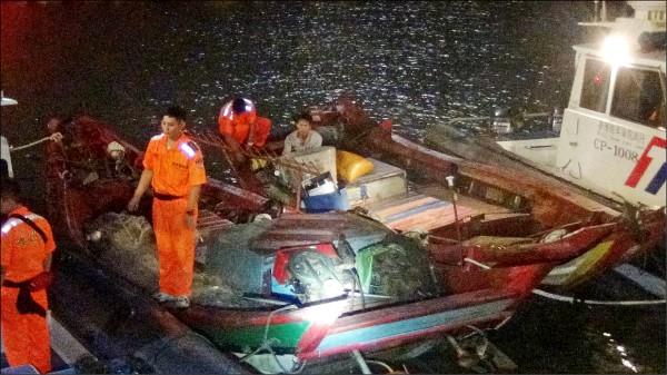 金門海巡隊取締中國越界漁船。 (圖由金門海巡隊提供)